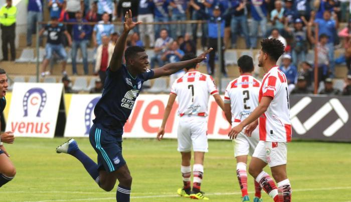 Ronaldo Johnson y Bryan Angulo convirtieron los goles para Emelec.