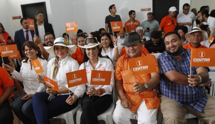 Centro Democrático. El movimiento confirmó a sus candidatos para las elecciones de marzo del 2017 en todo el país.