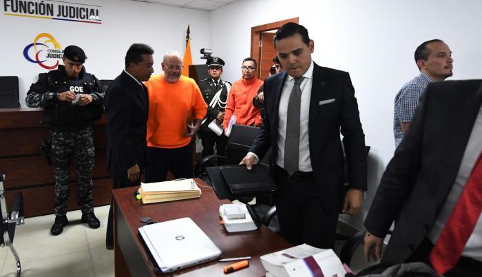 10 años de cárcel es una de las condenas impuestas al exministro Carlos Pareja Yannuzzelli.