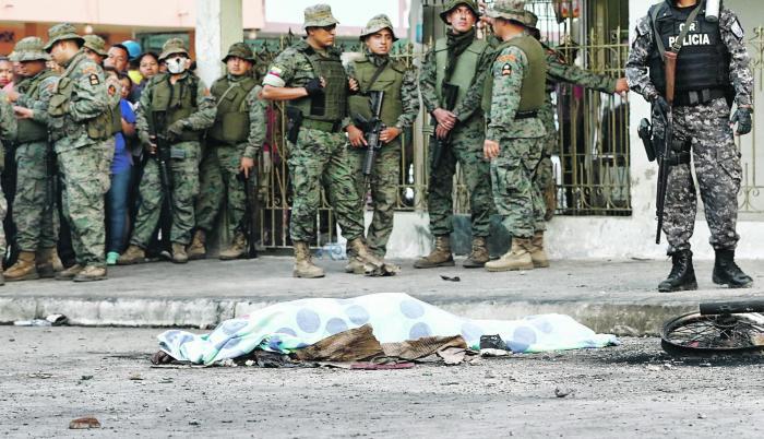 Hechos. Las tres personas masacradas fueron detenidas por un robo, pero la turba los acusó de 'robaniños'.