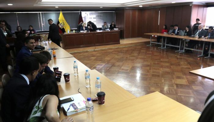 Audiencia. Fernando Balda (izq.) acusó a Rafael Correa como autor intelectual del intento de secuestro que sufrió en Colombia, en 2012. Dos agentes de Inteligencia admitieron el delito.