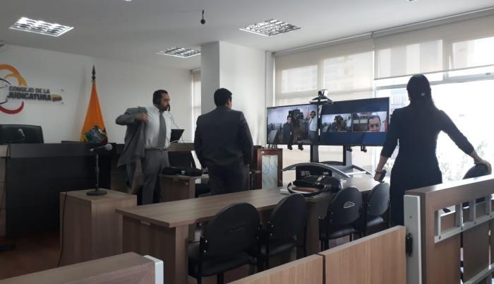 El fundador de Wikileaks interpuso el recurso en contra del Estado por la emisión de un instructivo que regula su estadía en la embajada de Ecuador en Londres.