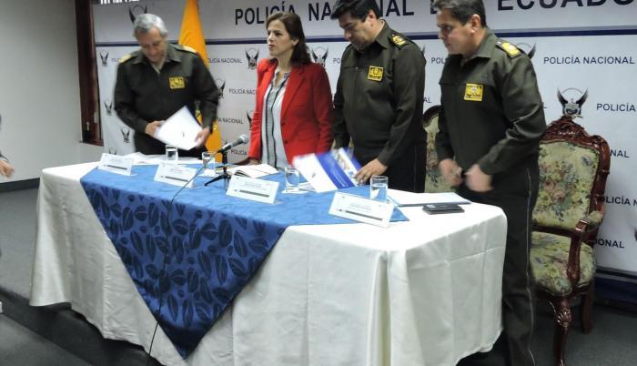 La ministra del Interior, María Paula Romo, hizo un llamado a la calma a los ciudadanos luego de la viralización de incidentes registrados en al menos cuatro provincias.