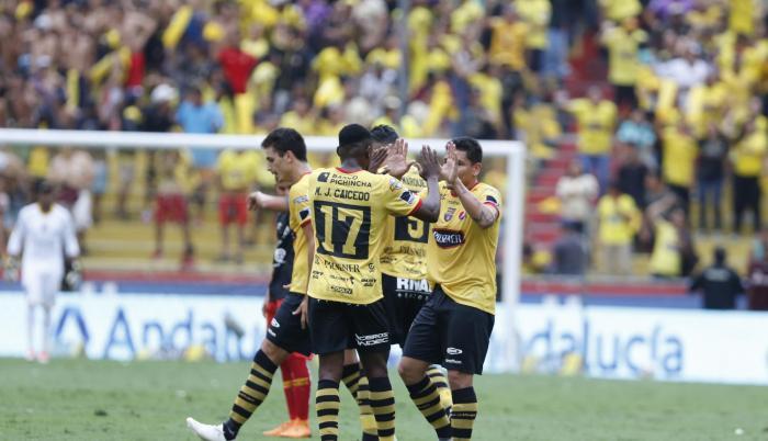 Los amarillos lograron tres anotaciones en el arco rival.