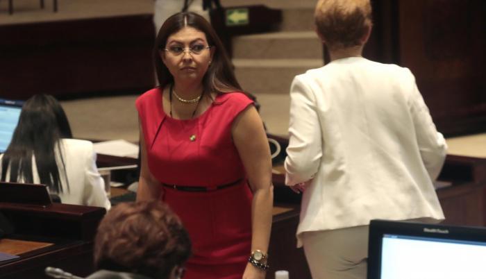 """Reemplazo. Espín anunció que su reemplazo en la Asamblea es Ronny Aleaga. """"También es correísta"""", aclaró la exlegisladora."""