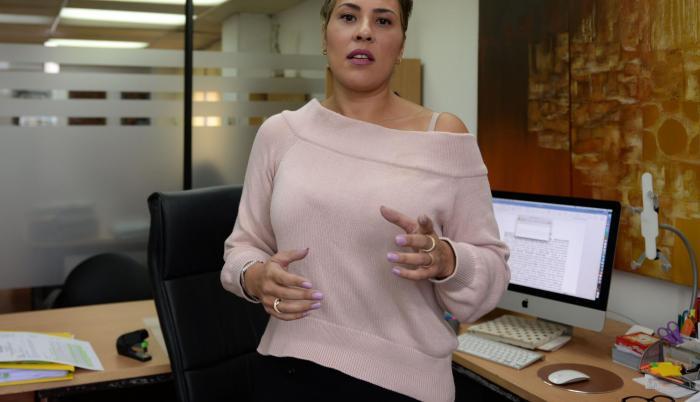 Lorena Grillo defiende al exsubsecretario Pablo Yánez. Ayer acudió a la Fiscalía a presentar un escrito solicitando protección para su cliente.