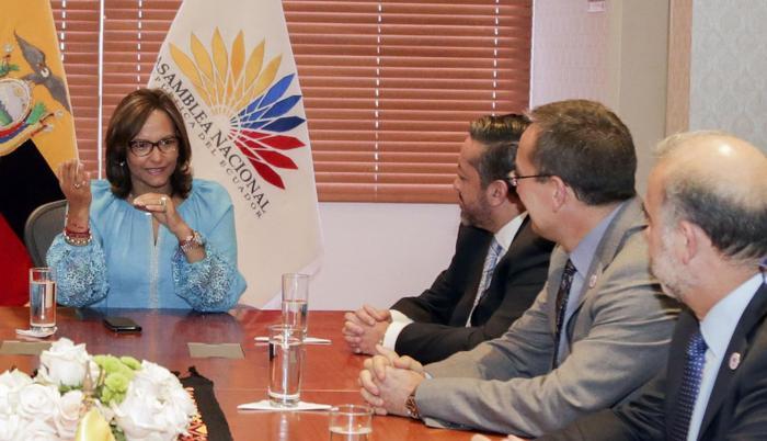 Reforma. El Colegio de Abogados de Pichincha se reunió con la presidenta de la Asamblea, Elizabeth Cabezas.