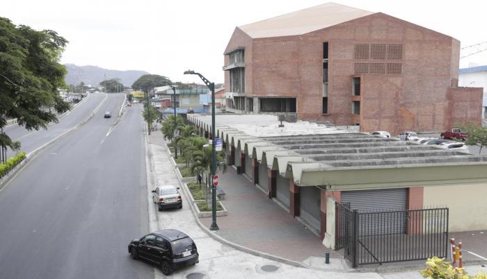 Desidia. El Coliseo de Deportes de Combate de Fedeguayas no registra autorización del Municipio de Guayaquil para haberse construido, según expresidente, en 2008.