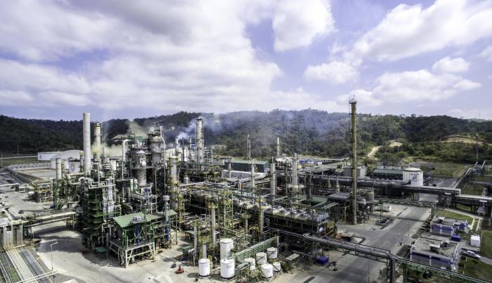 Compra. El mayor contrato  adjudicado por Petroecuador fue a favor de PDV Ecuador S.A., por $ 19,8 millones, para la provisión de aceites, lubricantes y grasas.