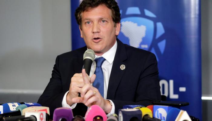 Alejandro Domínguez como presidente de la Conmebol es el encargado de anunciar donde será la sede.