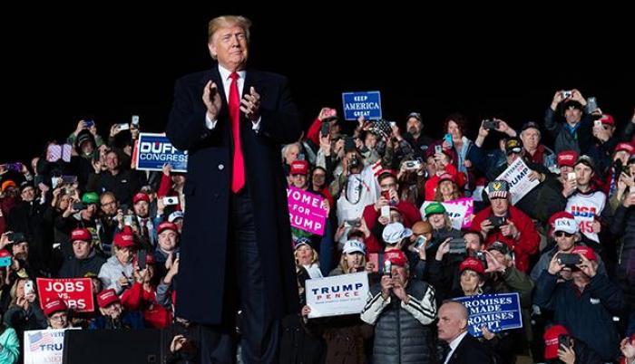 """Trump pide a medios """"cese de hostilidades"""" tras envío de presuntas bombas"""