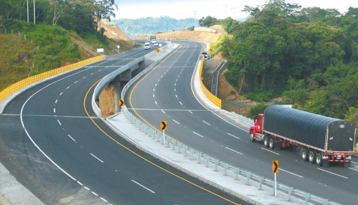 Para la construcción de la carretera Ruta del Sol, Odebrecht pagó 84.000 millones de pesos (unos 28,62 millones de dólares) para garantizar que la concesión recayera sobre ellos, según confirmó la Fiscalía.