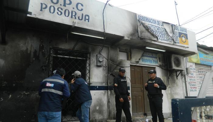 Estado en el que quedó el cuartel policial de Posorja.