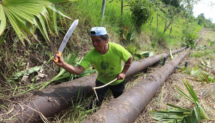 Rescate. Tras una semana atrapado en medio de la selva, Hernán Cumbicus encontró a Luis Galeas.