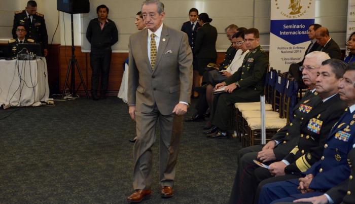 El ministro de Defensa, Oswaldo Jarrín, fue uno de los expositores en el seminario que delinea la Política de la Defensa del Estado, que irá en el nuevo 'Libro Blanco' que estará listo en diciembre.