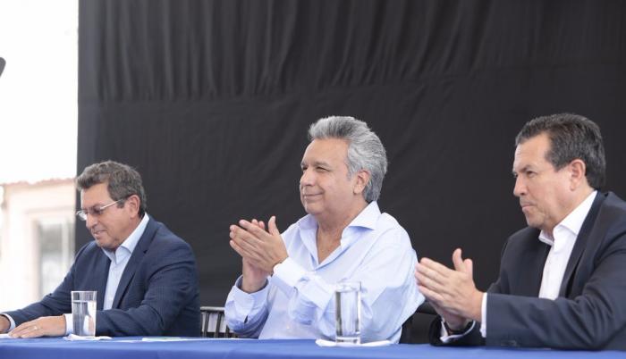 Al equipo de trabajo se suma el ministro de Comercio Exterior e Inversiones, Pablo Campana; el canciller José Valencia; y el secretario de Planificación y Desarrollo, José Agusto Briones.