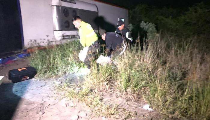 El cuerpo del occiso iba a ser llevado hasta la morgue del Hospital San Vicente de Paúl por agentes de la UIAT y se coordinaba un albergue para las personas que salieron ilesos.