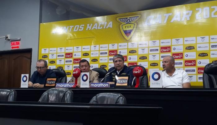 En rueda de prensa el técnico dio a conocer la lista oficial.