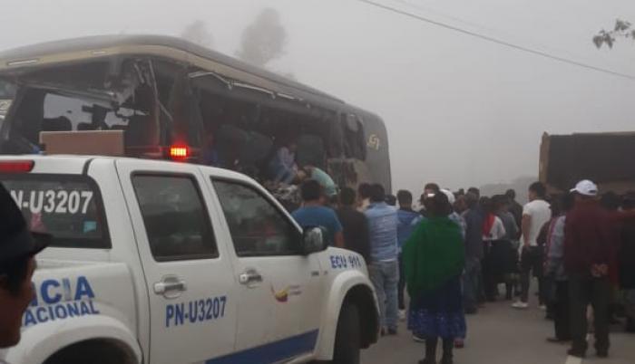 Los heridos y las víctimas mortales eran pasajeros del bus que salió de Cuenca.