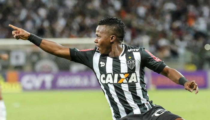 Juan-Cazares-volante-Mineiro