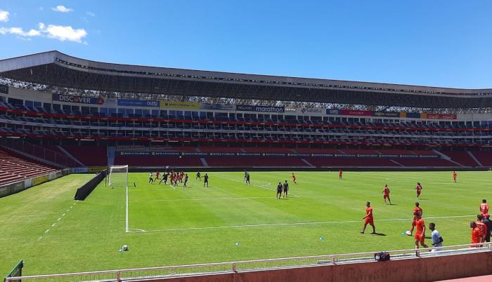 El+Nacional+Liga+Fútbol+Amistoso