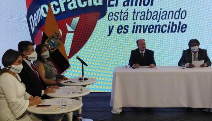 Candidatos- alianzas- Larrea- partidos