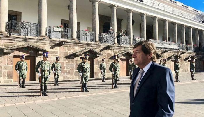 asambleísta César Rohón