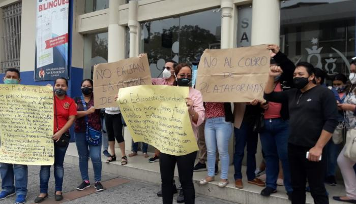 Protesta padres