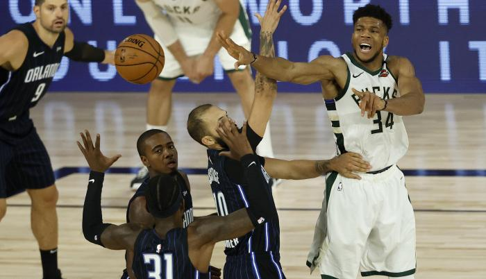 Giannis Antetukuonmpo Milwaukee Bucks