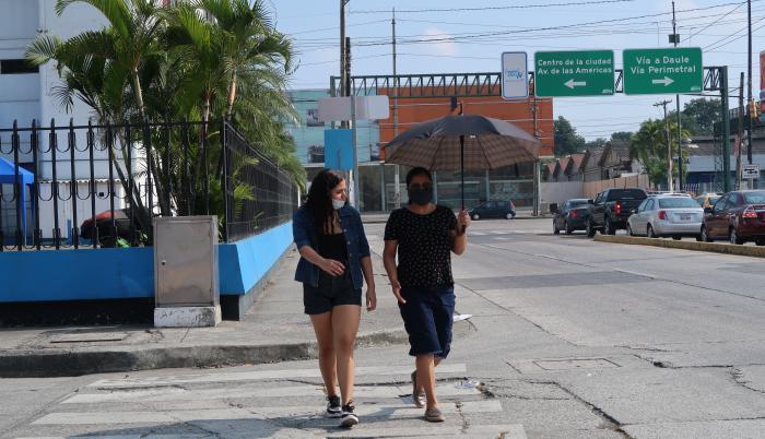 CLIMA EN GUAYAQUIL_FUERTE SOL_AGOSTO 2020 (32333298)