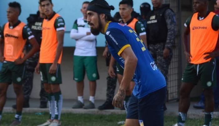 Óscar-Benítez-Delfín-Delantero