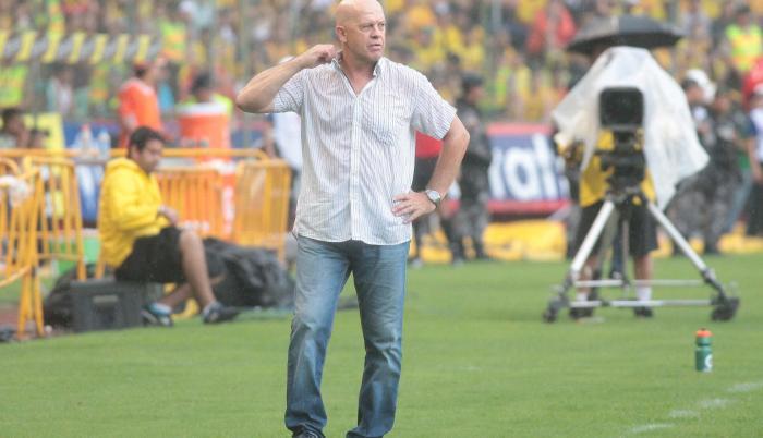 Carlos-Ischia-Entrenador-Delfín