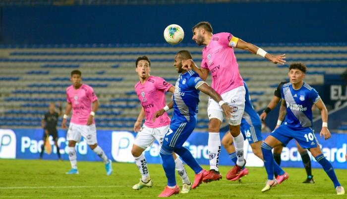 Emelec intentó defender el 2-0, pero no pudo resistir a Independiente del  Valle