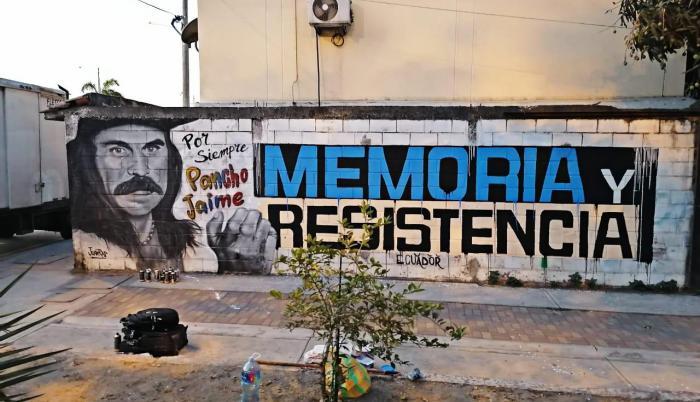 El mural original muestra a Pancho Jaime haciendo la señal del dedo del medio.