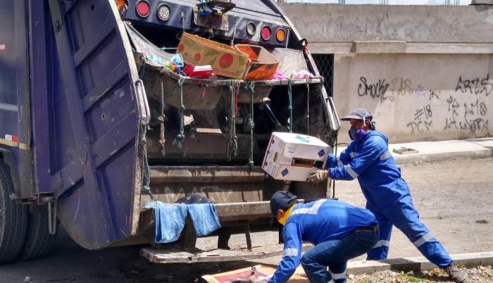 La recolección de basura en Quito no se detuvo durante la emergencia sanitaria.
