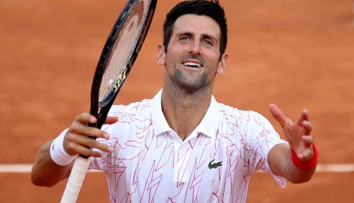 Novak-Djokovic-tenis-pelotas