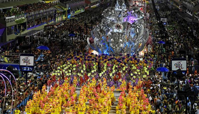 uno-los-desfiles-masivos-del-carnaval-rio-febrero-del-2020-1601011217845