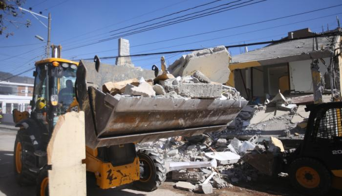 Remoción de escombros en Cumbayá