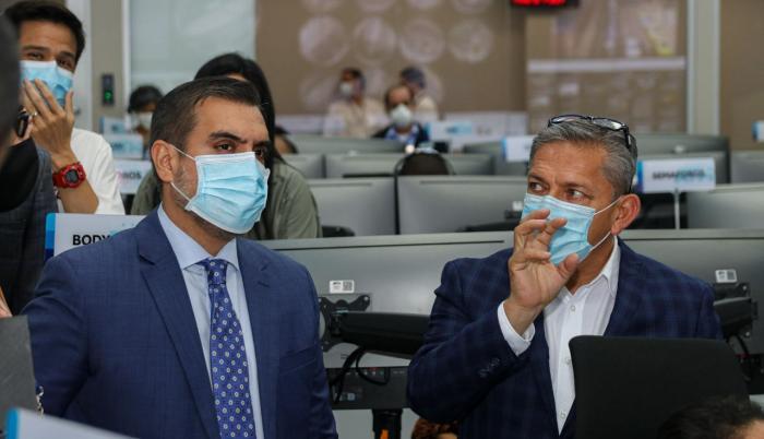 Vicente Taiano junto a Juan Pazos, director ejecutivo de la ANT.