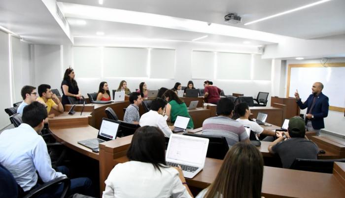 La Universidad de Especialidades Espíritu Santo recibió la venia del Cabildo de Samborondón para regresar a clases.