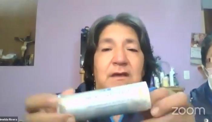Una testigo muestra una bomba caducada en el juicio político a María Paula Romo, 30 oct. 20