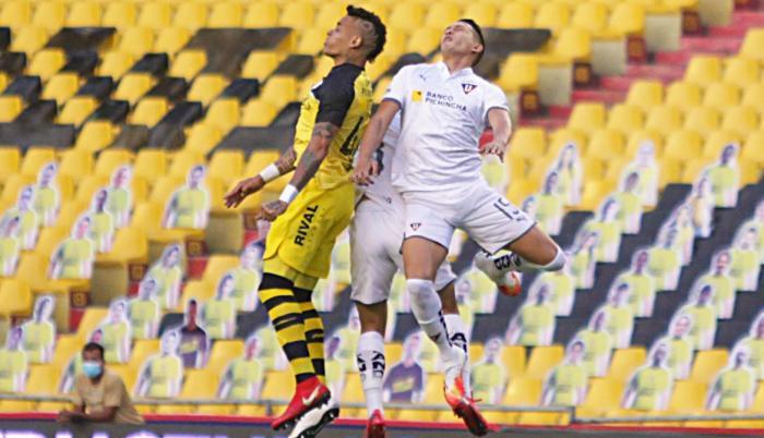 En los primeros 45 minutos, Barcelona gana a Liga de Quito 1-0.