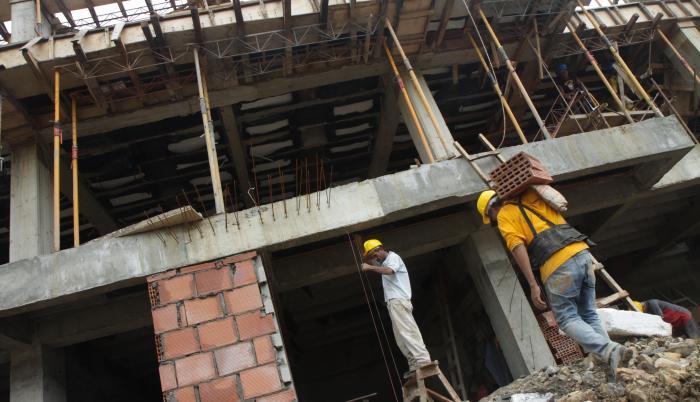 sector inmobiliario+industria+crédito