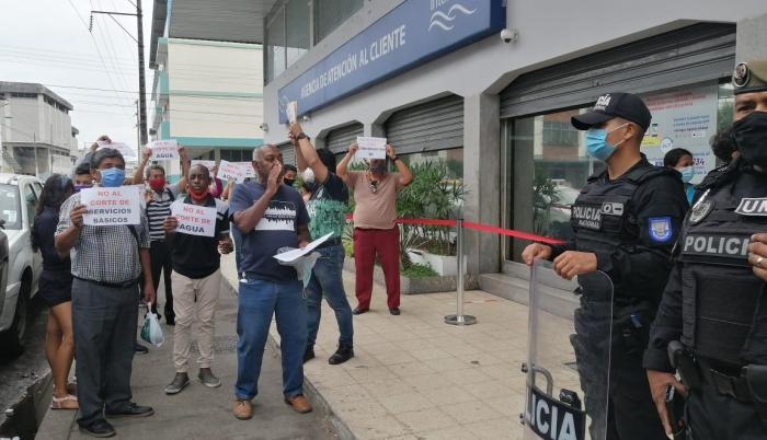 Los protestantes señalaron que van a seguir con las medidas todos los lunes hasta que las autoridades se sensibilicen.