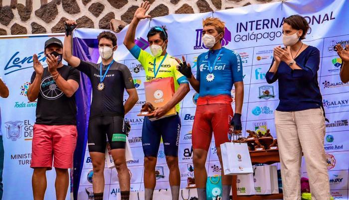 Jorge-Montenegro-Tour-Galápagos-ciclismo-MovistarTeamEcuador