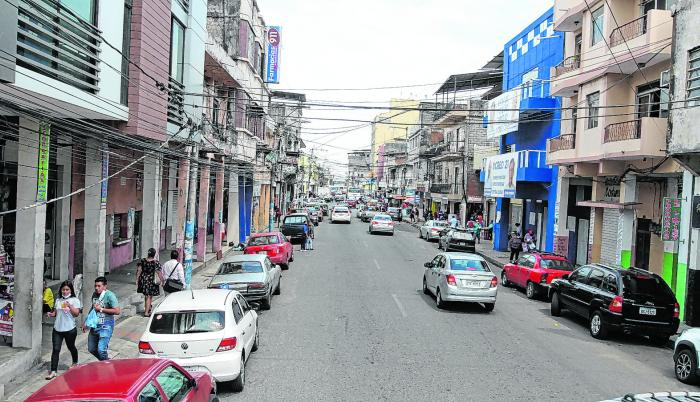 Una de las avenidas del centro de Durán, un cantón que no termina de despegar y que está golpeado por la pandemia de este 2020.