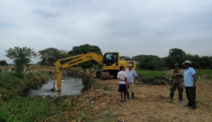 En zonas de Guayas se trabaja en el desazolve de esteros.