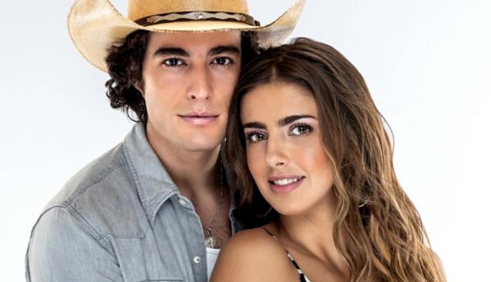 Danilo Carrera y Michelle Renaud
