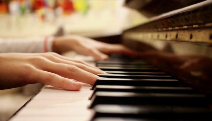 EuropaPress_3549515_interprete_piano_teclado