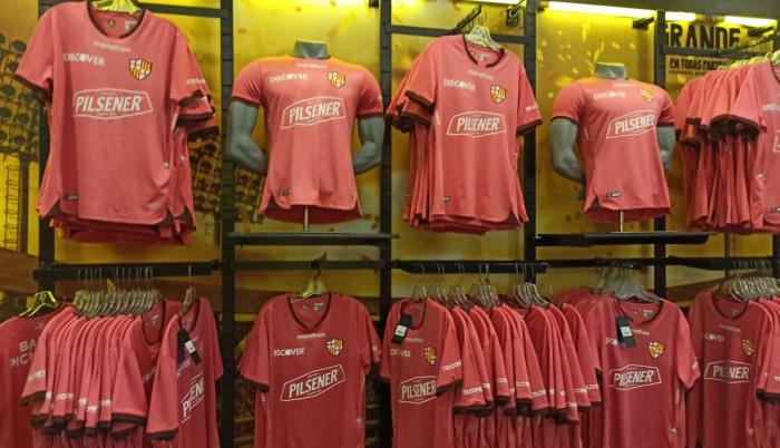 camiseta-Barcelona-LigaPro-dólares